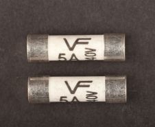 Dencon 5 Amp Consumer Fuse BS1361 - Bubble Packed (2)