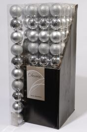 Kaemingk Plain Shatterproof Baubles Pack 10 - 60mm Silver Mix