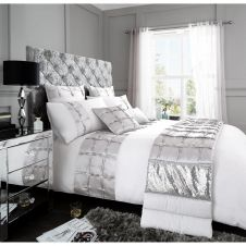 SIGNATURE DUVET SET ADRIANNA WHITE