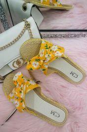 Women Single Strap Daisy Bow Sliders Yellow