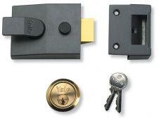 Yale Deadlocking Standard Nightlatch Security Lock - Dark Metal Grey + PB Cylinder - 60mm
